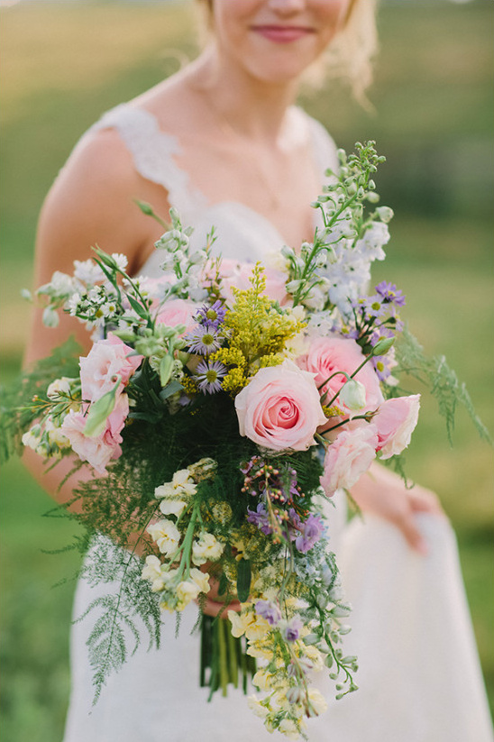 wild flower bouquet @weddingchicks
