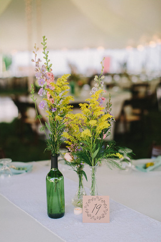 wild flower centerpiece ideas @weddingchicks