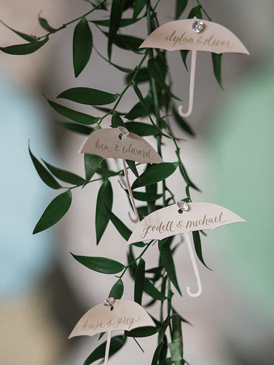 umbrella wedding ideas @weddingchicks