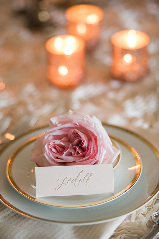 simple and elegant place card idea @weddingchicks