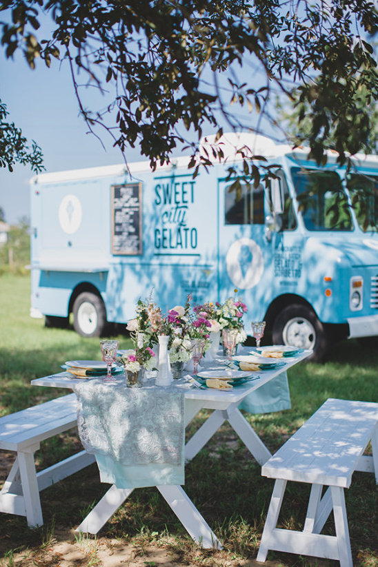 picnic food truck wedding reception @weddingchicks