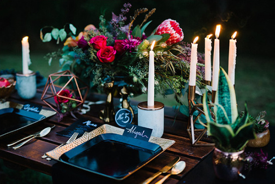 boho glam table decor @weddingchicks
