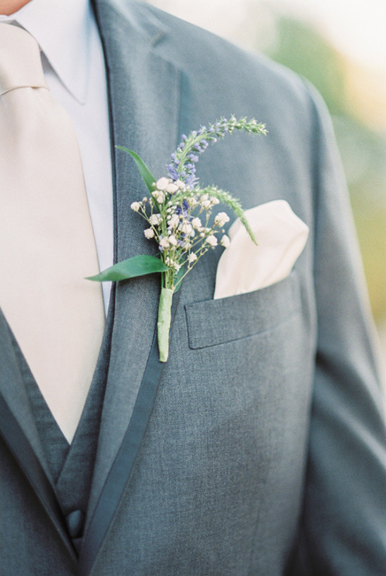 boutonniere @weddingchicks