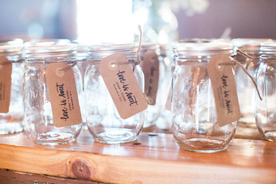 mason jar favors @weddingchicks