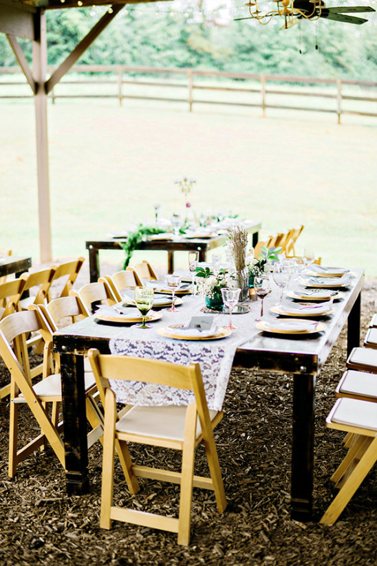 wedding barn reception @weddingchicks