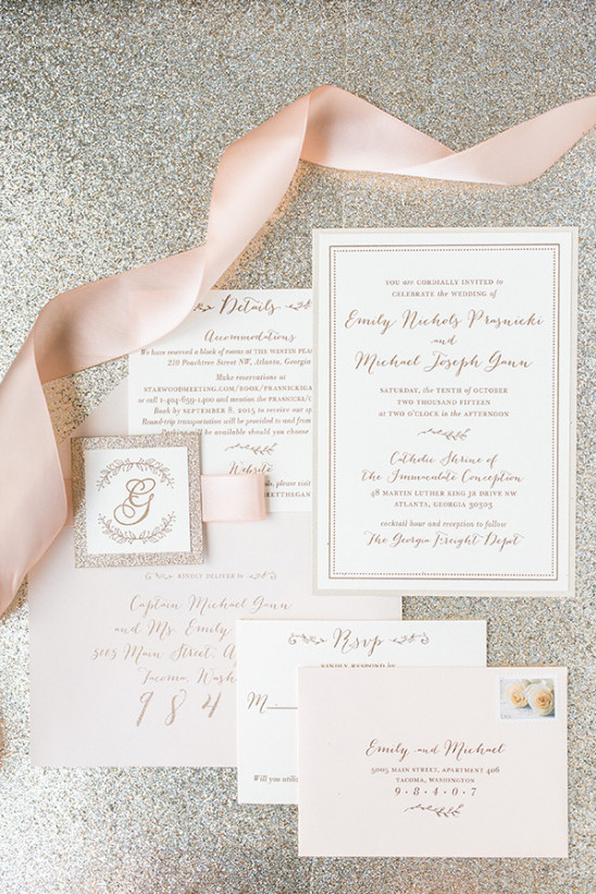 ivory and gold wedding stationery @weddingchicks