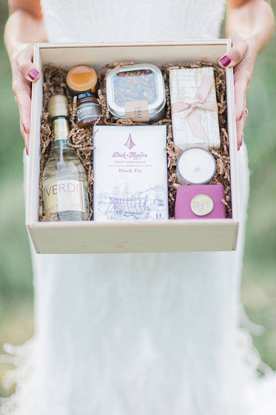 luxurious welcome wedding box @weddingchicks