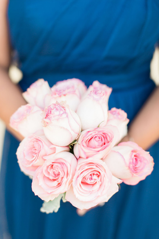 pink rose bridesmaid bouquet @weddingchicks