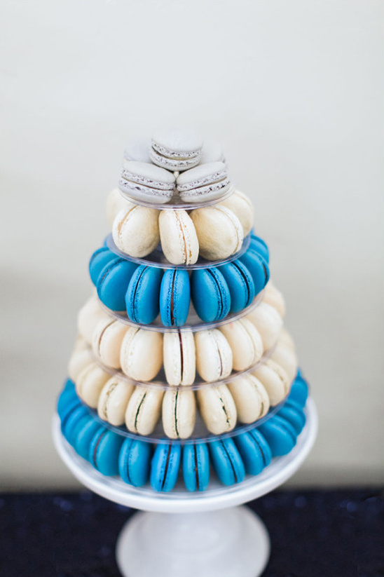 macaroon cake @weddingchicks