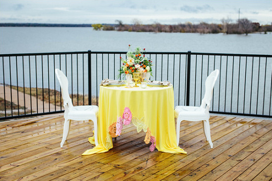 yellow wedding sweetheart table @weddingchicks
