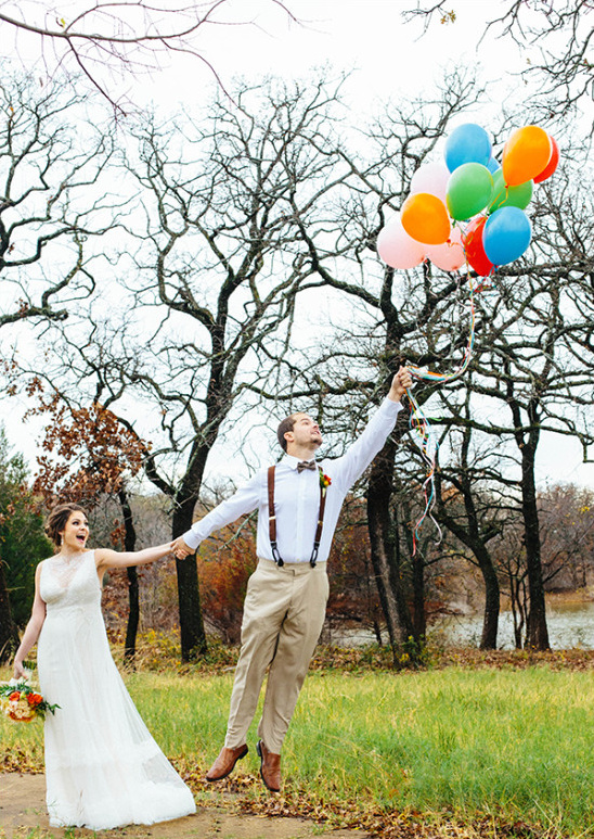 wedding photography with balloons @weddingchicks