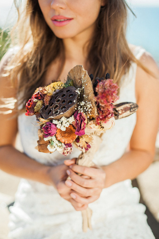 dried flower wedding bouquet @weddingchicks