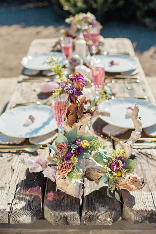 beach wedding reception tablescape @weddingchicks