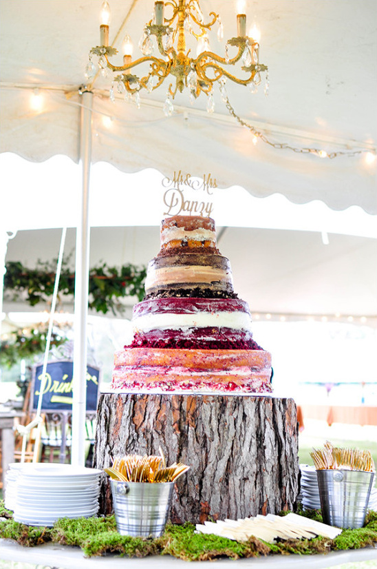 naked wedding cake @weddingchicks