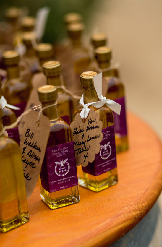 olive oil favor @weddingchicks