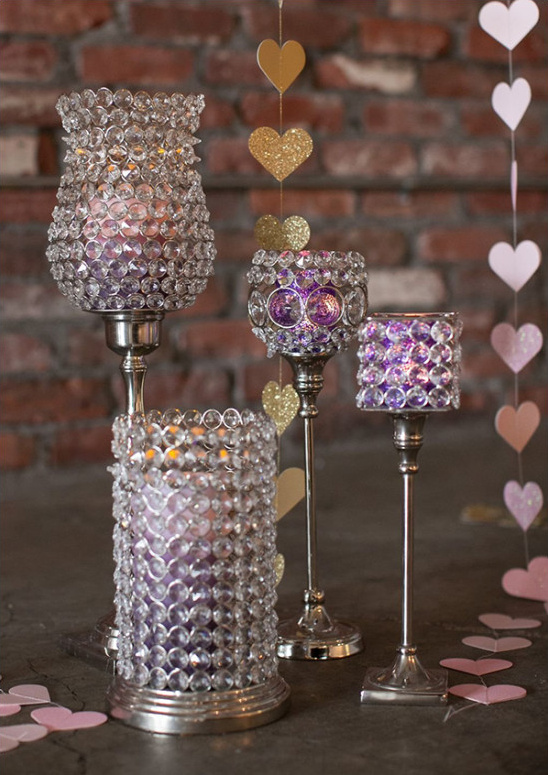 bejeweled candle decor @weddingchicks