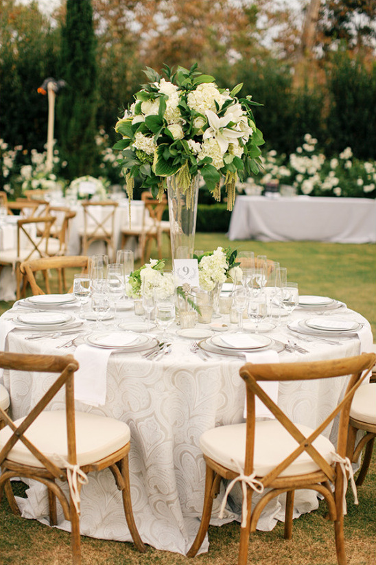neutral wedding reception idea @weddingchicks