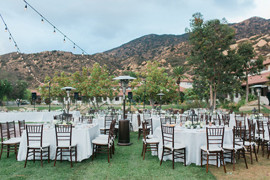 outdoor reception @weddingchicks