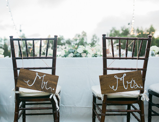seat signs @weddingchicks