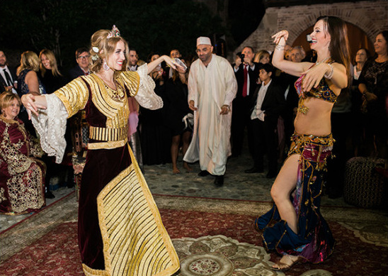 belly dancing @weddingchicks
