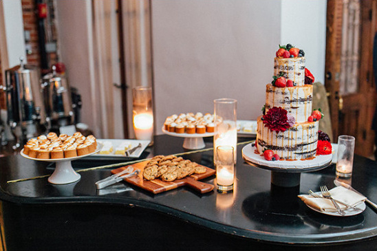 piano dessert table @weddingchicks