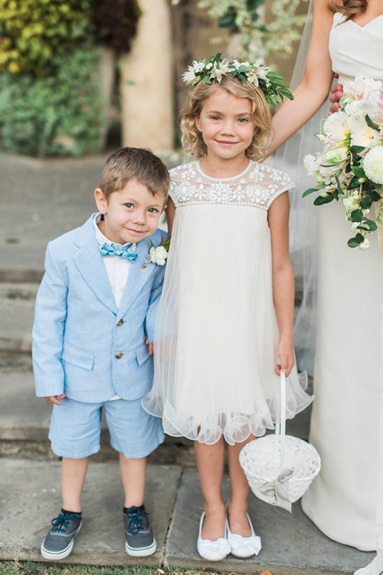 cute flower girl and ring bearer @weddingchicks