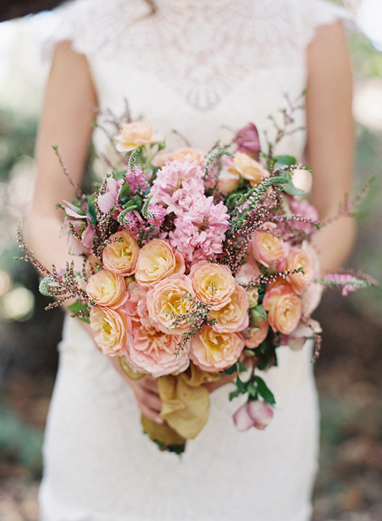 warm pink wedding bouquet @weddingchicks