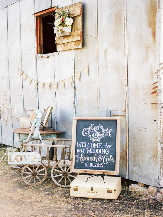 wedding welcome sign @weddingchicks