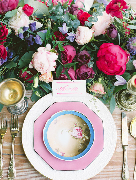 mixed china place setting @weddingchicks