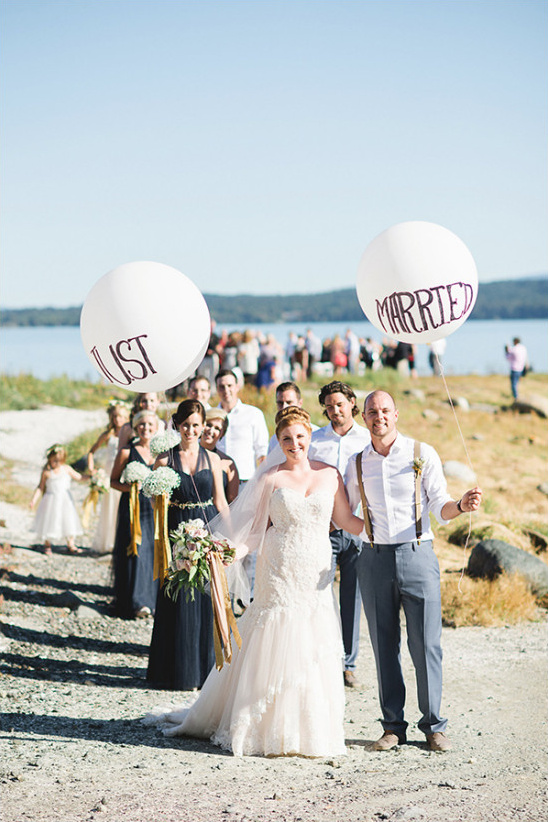 just married balloons @weddingchicks