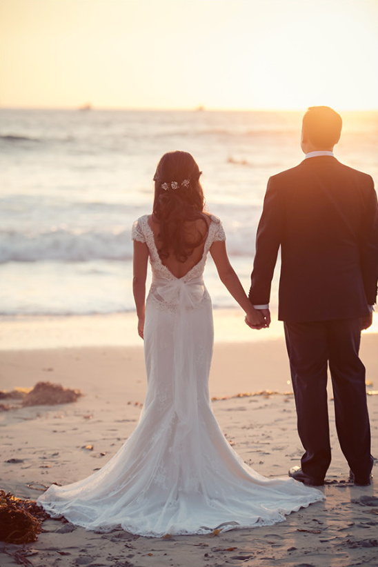 Golden hour wedding photography at the beach