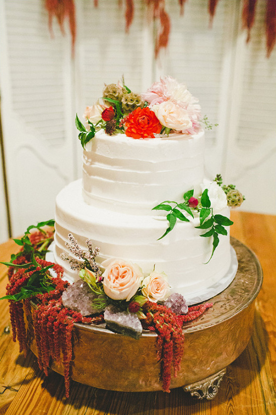 red and green wedding cakes green and gold shabby chic wedding 19081