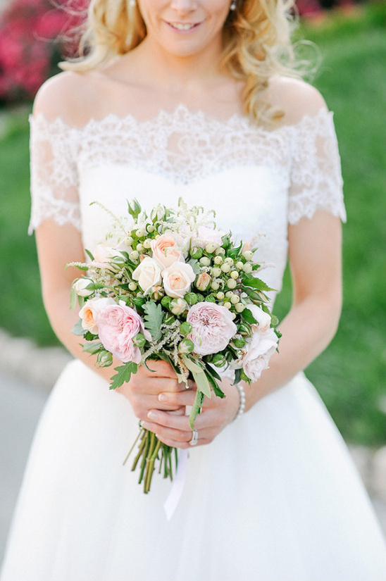 Simple pastel color wedding bouquet