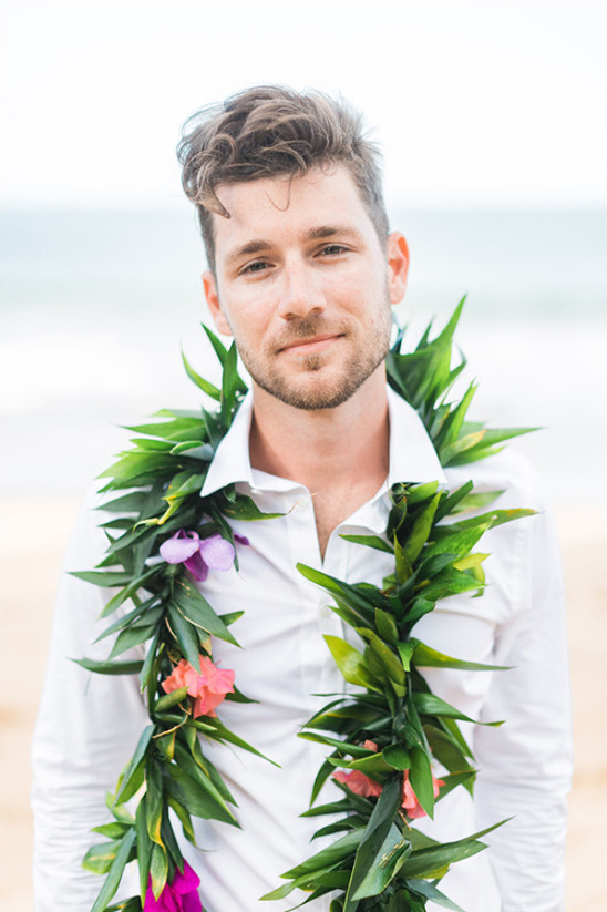 hawaiian lei groom