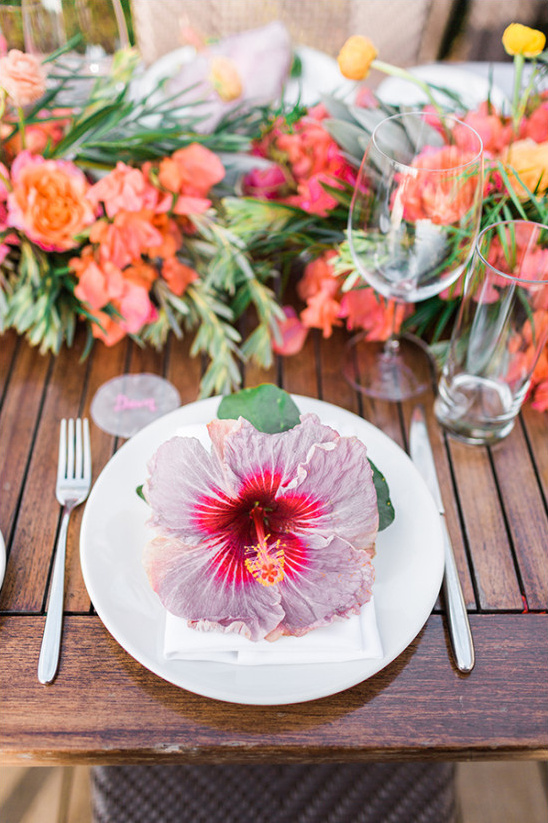 hibiscus flower table decor