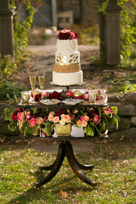 blush creek vintage rentals cake table