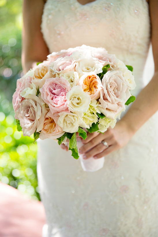 pink and peach rose bouquet