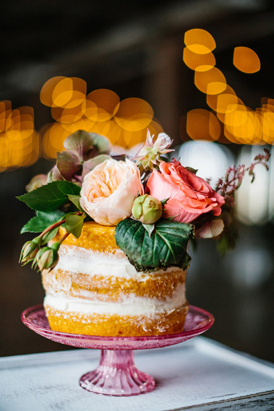 Mini naked cake with florals