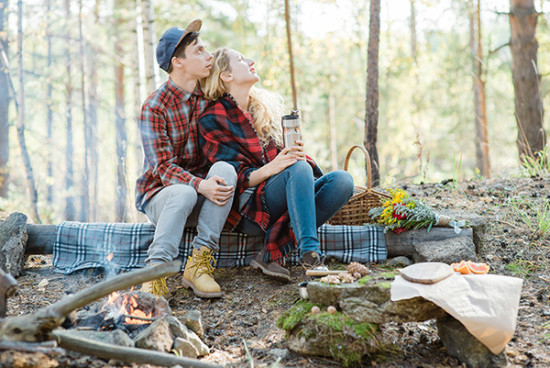 sweet campfire engagment