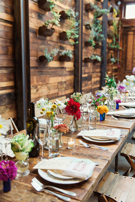 Family style table decor idea with mix n match centerpieces