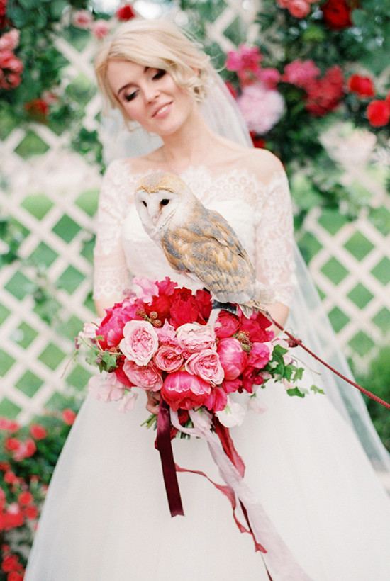 wedding owl and pink and pink bouquet