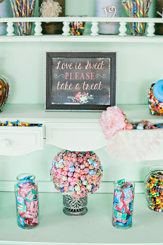 candy table favors