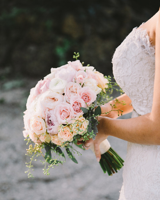 soft pink and peach bouquet