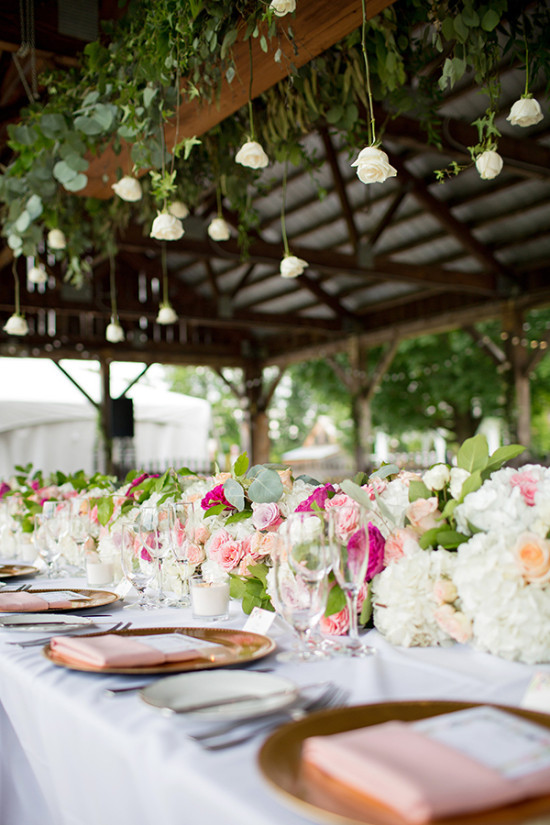 Hanging flower garland above headtable