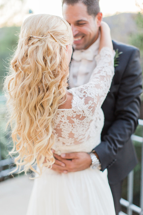 loose and curling wedding hair