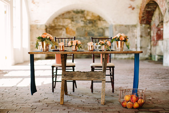 sweetheart table with modern rustic indie style