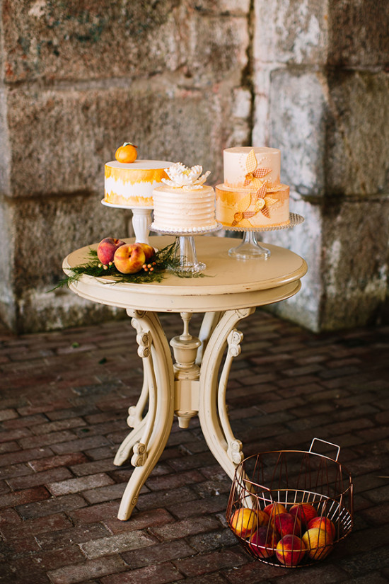 copper and peach cake table