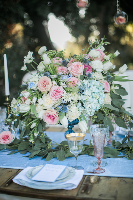 blue pink and white centerpiece