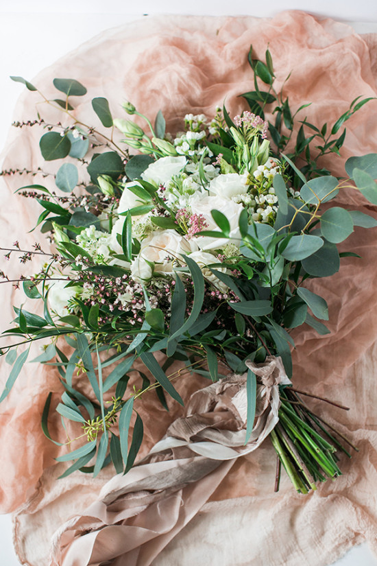 organic styled wedding bouquet