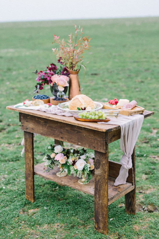 Rustic food table decor